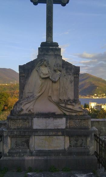 Spomenik snahe svekrvi