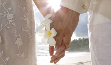 WW35 Banyan tree wedding on the beach image P - 24 Nov 2011