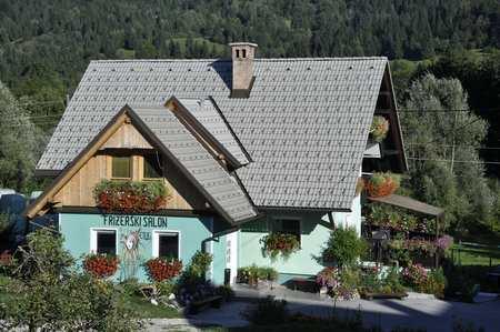 U Sloveniji je i frizerski salon u cvijeću